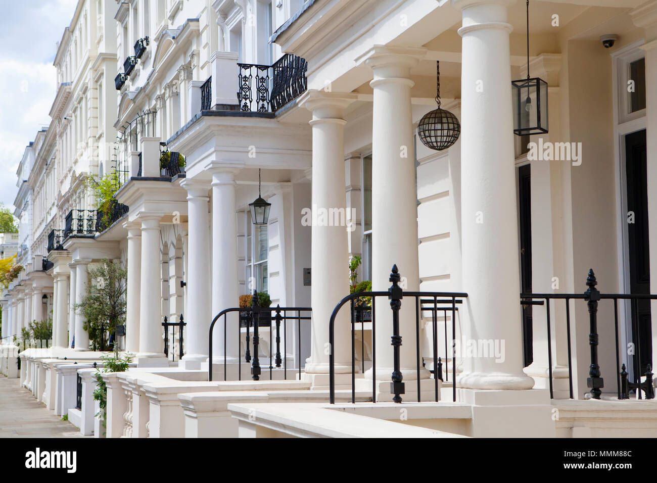 LONDON, UK - MAY 10th, 2018: Beautifull houses in Notting Hill.The area is known for being a cosmopolitan neighbourhood, hosting the annual Notting Hi - Stock Image