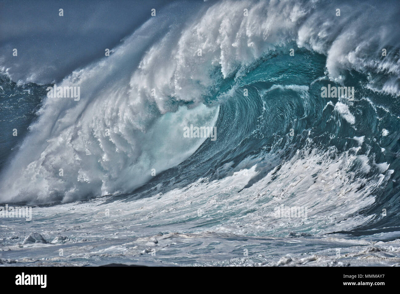 a98b402725 A giant wave breaks during the Quicksilver in memory of Eddie Aikau 2016