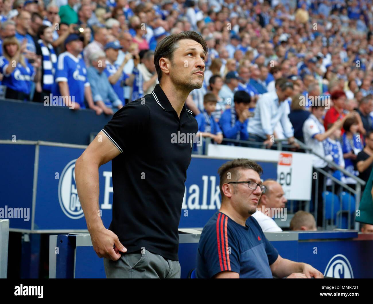 sports, football, Bundesliga, 2017/2018, FC Schalke 04 vs Eintracht Frankfurt 1:0, Veltins Arena Gelsenkirchen, head coach Niko Kovac (Frankfurt) - Stock Image