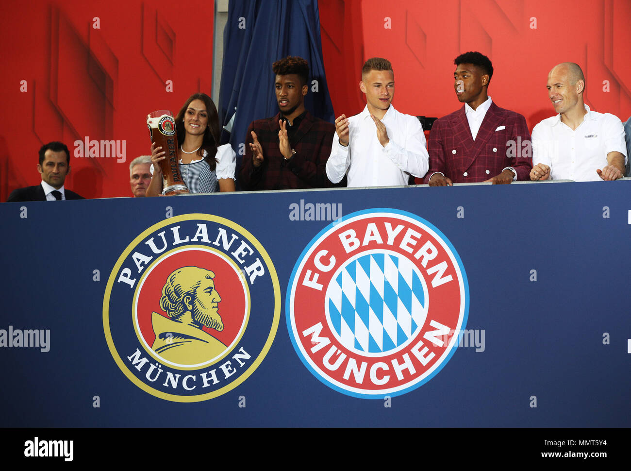 HANDOUT - 12 May 2018, Germany, Munich: Hasan Salihamidzic (L-R), sporting director of FC Bayern Munich, coach Jupp Heynckes and the players Corentin Tolisso, Joshua Kimmich, David Alaba and Arjen Robben celebrate winning the championship together with the fans at the Paulaner beer garden at the Nockherberg. Earlier though, a home defeat dampened the joy over the 28th championship title. Photo: Adam Pretty/FCB/Getty Images /dpa - ATTENTION: editorial use only and only if the credit mentioned above is referenced in full Credit: dpa picture alliance/Alamy Live News Stock Photo