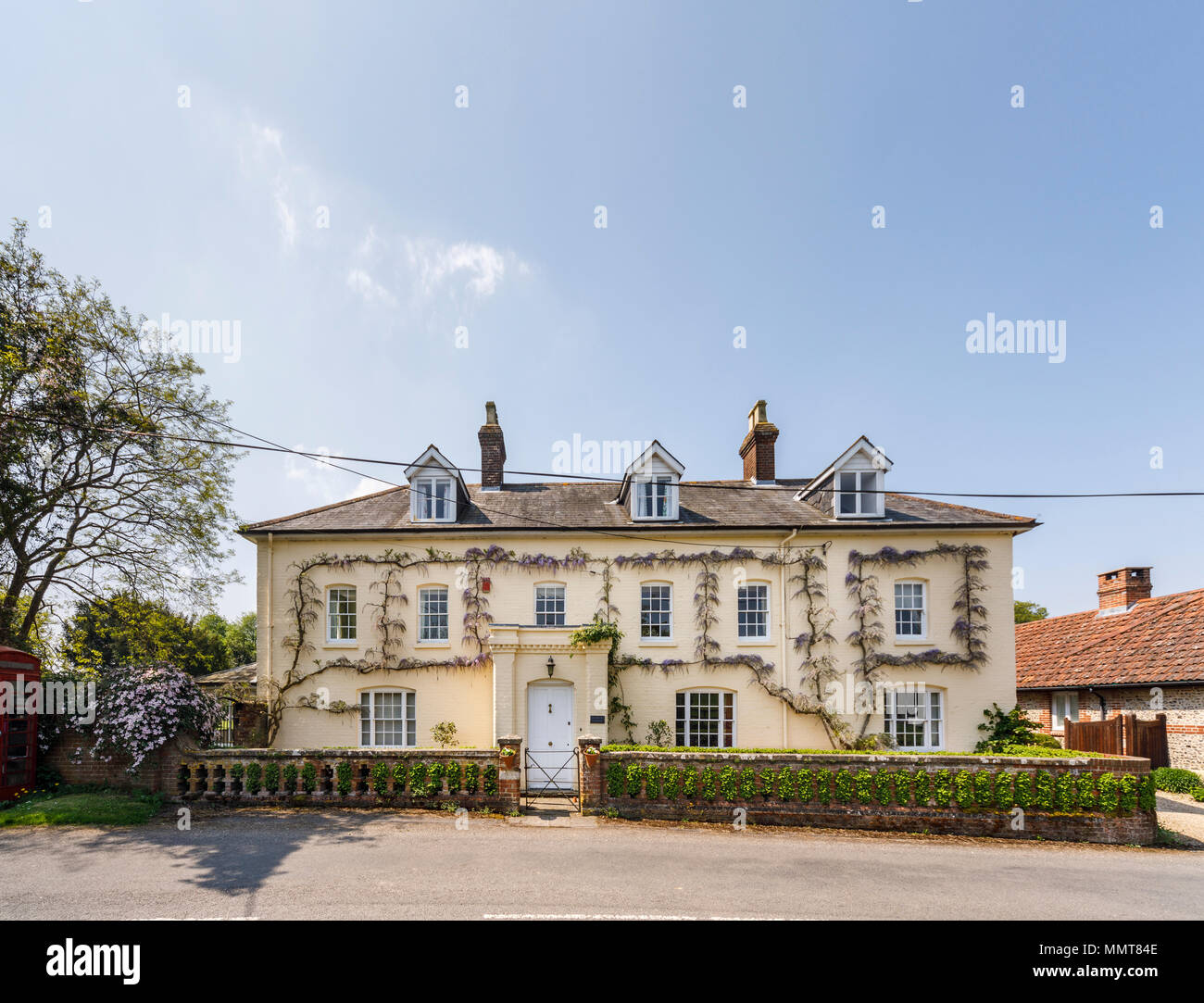 Large Elegant Country House In East Stratton A Pretty Small