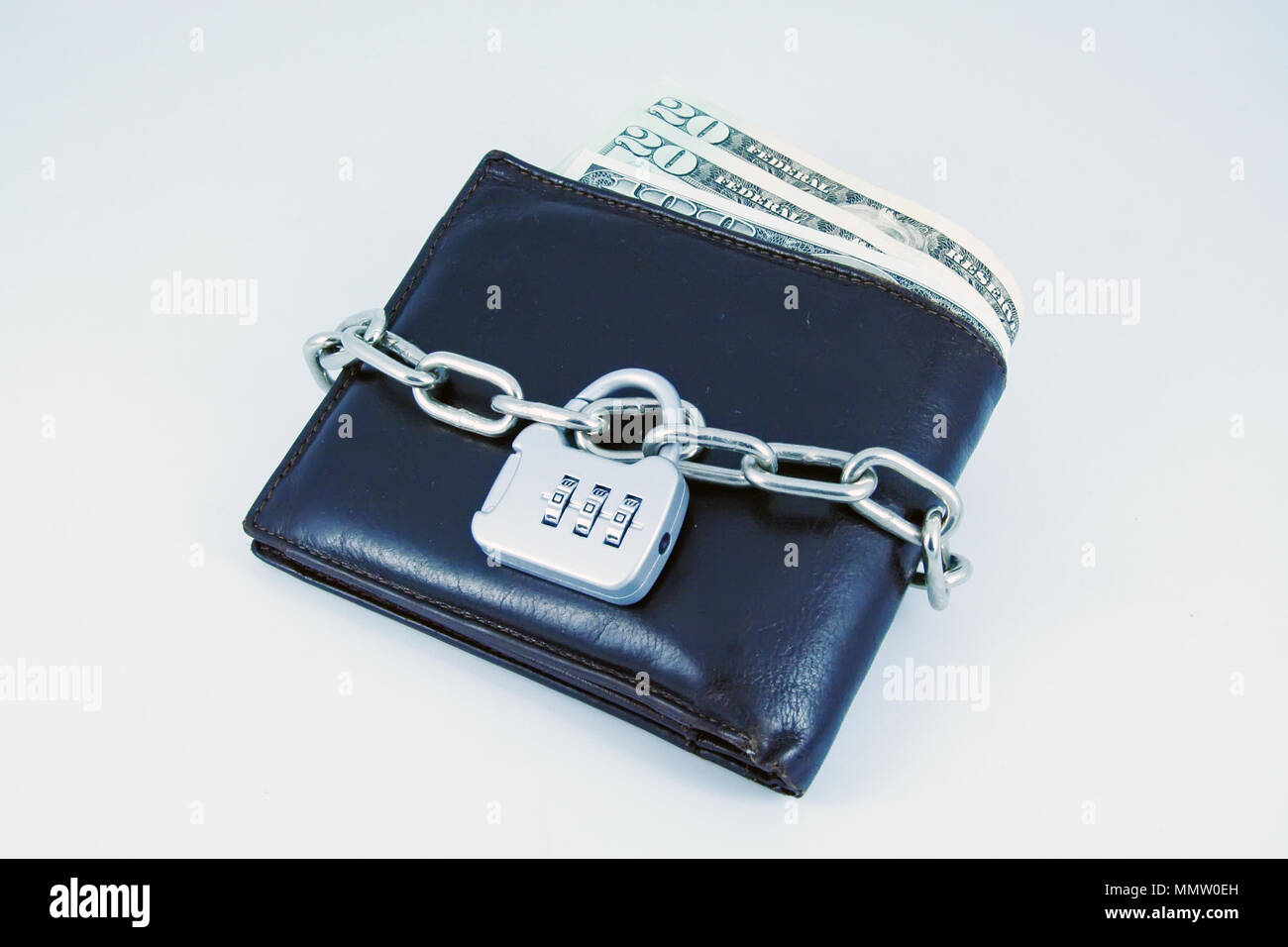 4b866ee37fde Chain Lock Purse Stock Photos & Chain Lock Purse Stock Images - Alamy