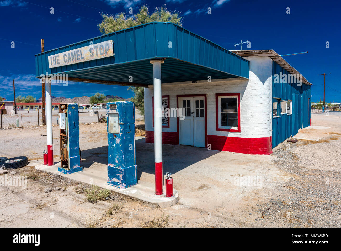 Deserted Garage and gas station in American Southwest that is a 'Camel Stop', Quartzsite, Arizona - Stock Image