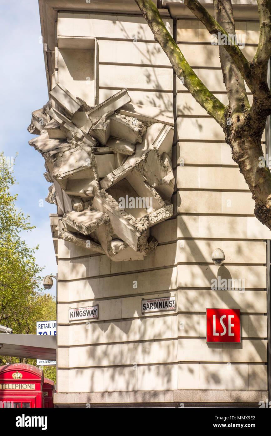 Square the Block sculpture by Richard Wilson, LSE building, Kingsway / Sardinia Street, London, UK - Stock Image
