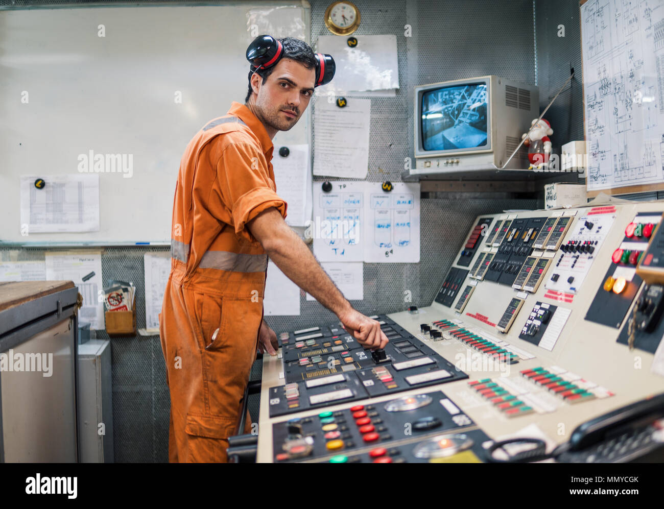 Marine engineer officer starts or stops main engine of ship