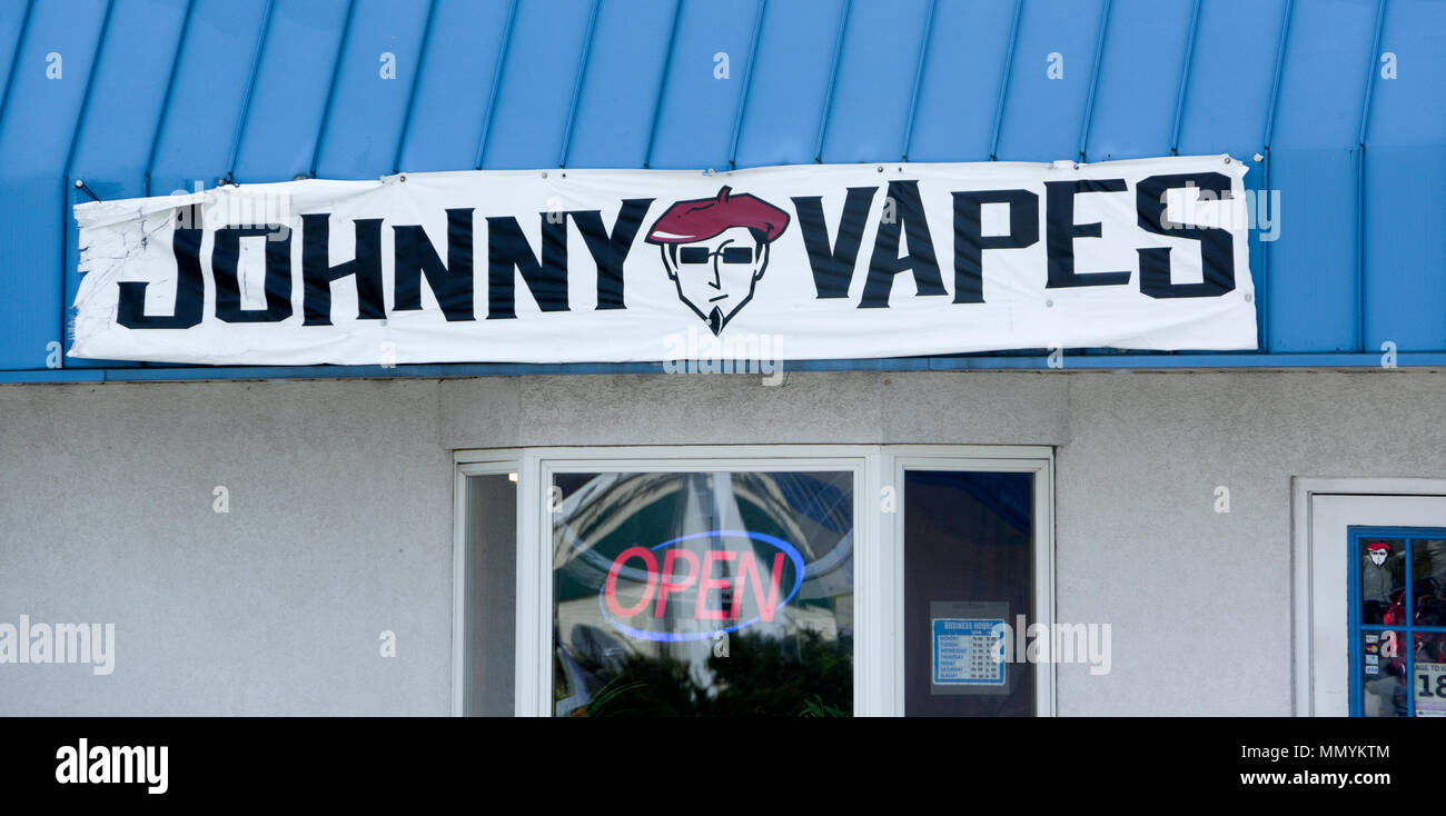 Johnny Vapes Vape Shop Electronic Cigarette dealer Manitowoc, Wisconsin - Stock Image