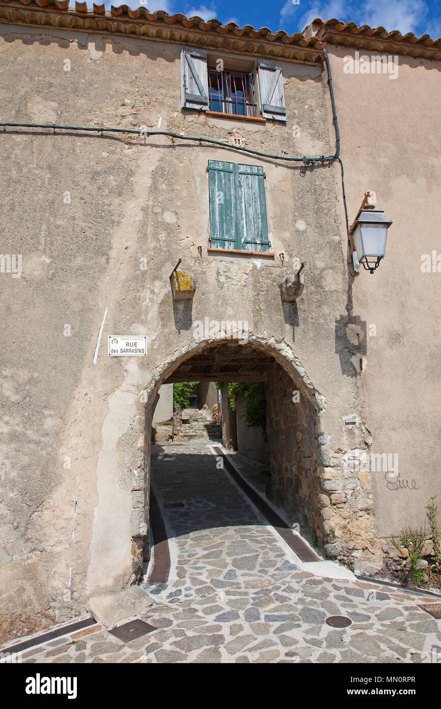 Passage at village Ramatuelle, Cote d'Azur, Département Var, Provence-Alpes-Côte d'Azur, South France, France, Europe - Stock Image
