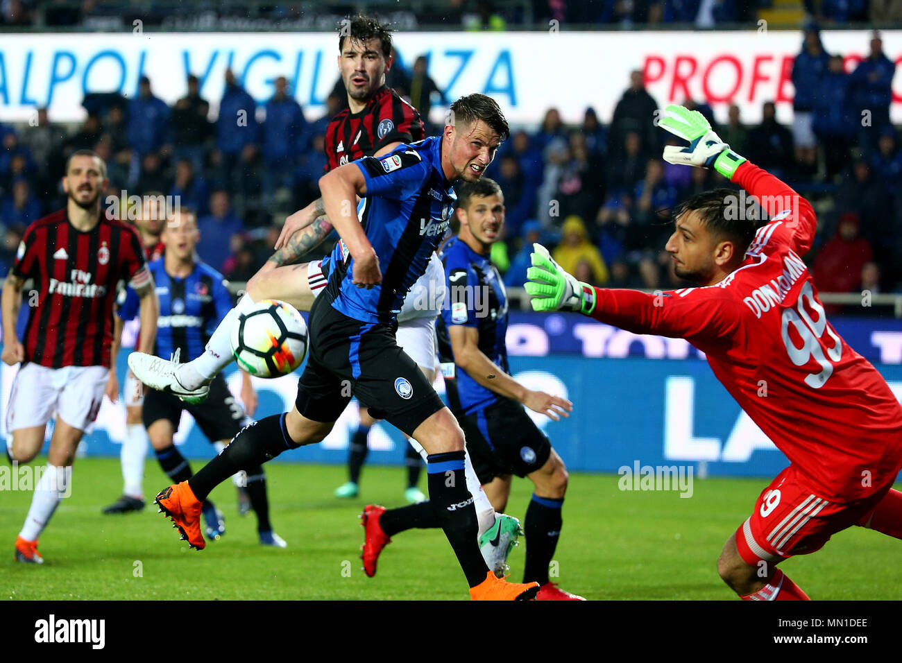 Turin, Italy. 13th May, 2018. football, Serie A championship 2017-2018 13-5-2018 Atalanta vs. Milan 1-1 in the picture: Credit: Independent Photo Agency/Alamy Live News Stock Photo