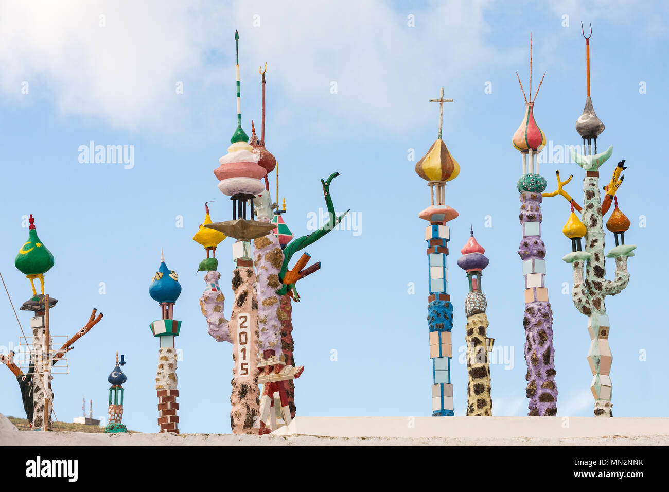 HARIA, LANZAROTE, CANARY ISLANDS, SPAIN: Colorful art on top of a rooftop. - Stock Image