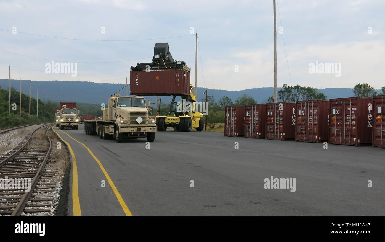 Flatbed Trailers High Resolution Stock Photography And Images Alamy