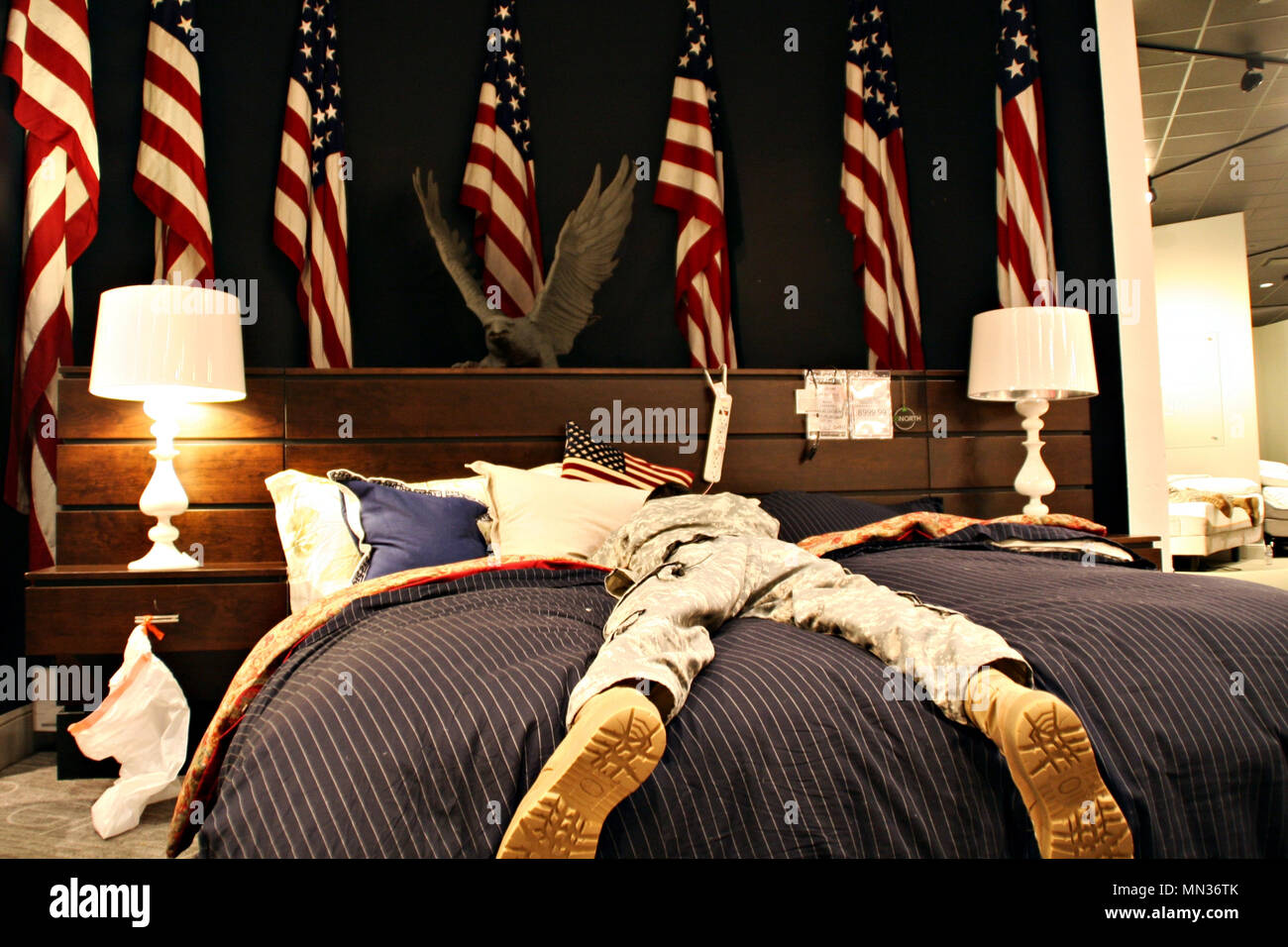 Texas Army National Guard Soldiers Rest In A Gallery Furniture Store
