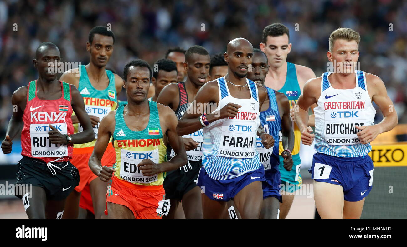 LONDON, ENGLAND - AUGUST 12: Mo Farrah of Great Britain looks up at the big screen in the Men's 5000 Metres Final during day nine of the 16th IAAF World Athletics Championships London 2017 at The London Stadium on August 12, 2017 in London, United Kingdom --- Image by © Paul Cunningham - Stock Image