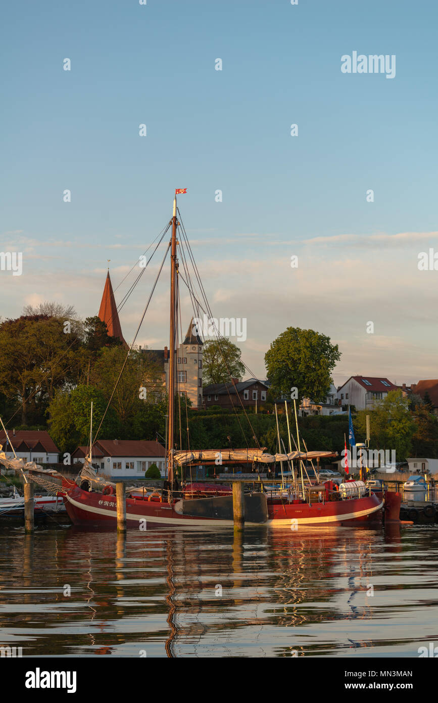 View of the small Altefähr fishing habour on the island of Rügen, Altefähr, Rügen, Baltic Sea, Mecklenburg-Vorpommern, Germany, Europe - Stock Image