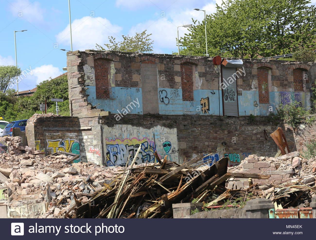 Dundee, UK. 14th May 2018. Demolition of William Halley & Sons' Wallace Craigie Works. The former flax and jute mill was built in 1834 and has been derelict for a number of years.  © Stephen Finn/Alamy Live News Stock Photo