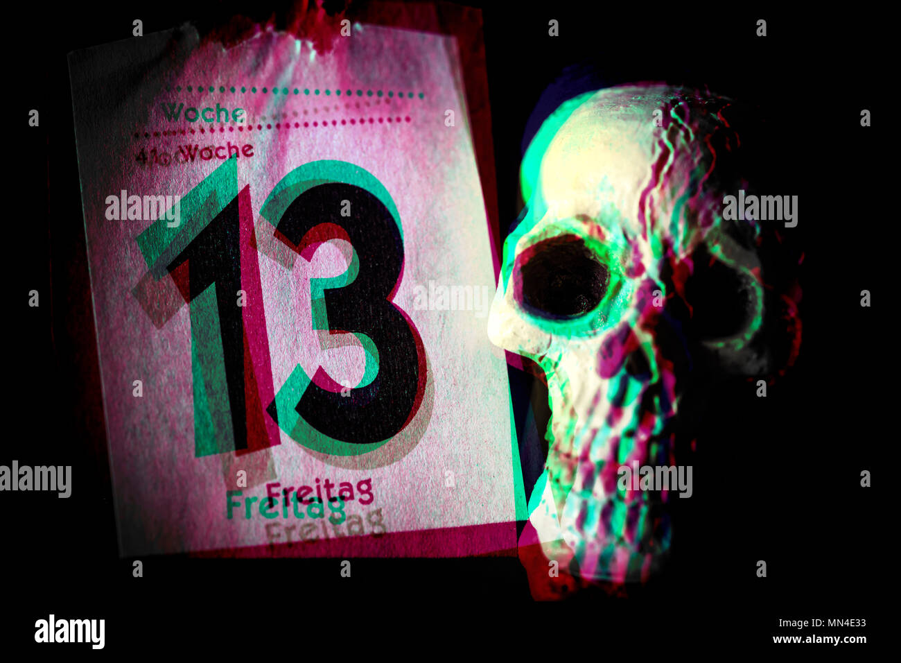 Calendar Sheet Friday the 13th and skull, Kalenderblatt Freitag der 13. und Totenkopf - Stock Image