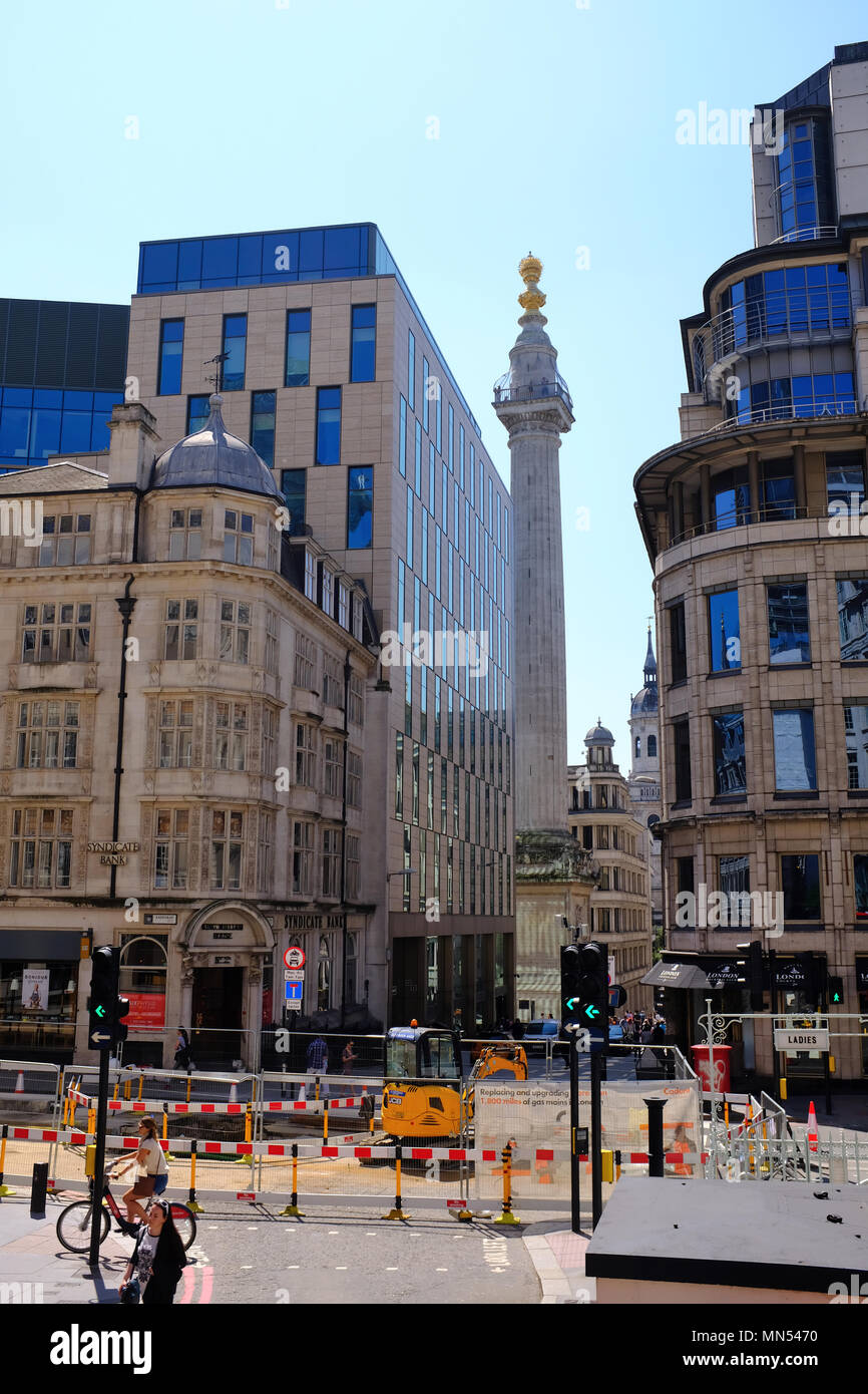 Monument to the Great Fire of London viewed from King William Street designed by Christopher Wren City of London England UK Stock Photo