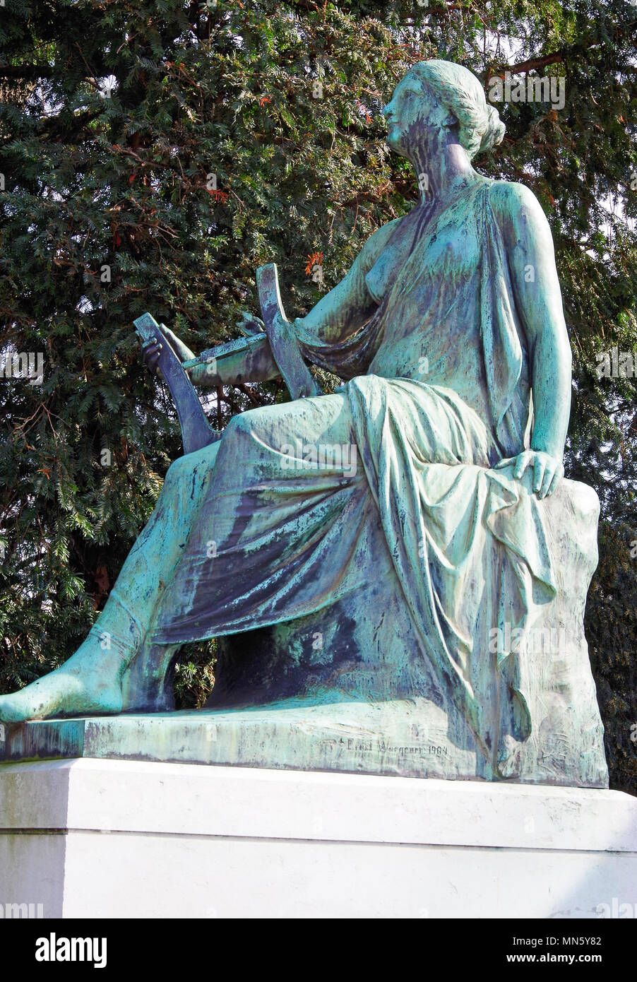Polyhymnia, the Muse of Lyrical Poetry, part of the Goethe Memorial in front of the  University Palace in Strasbourg Stock Photo