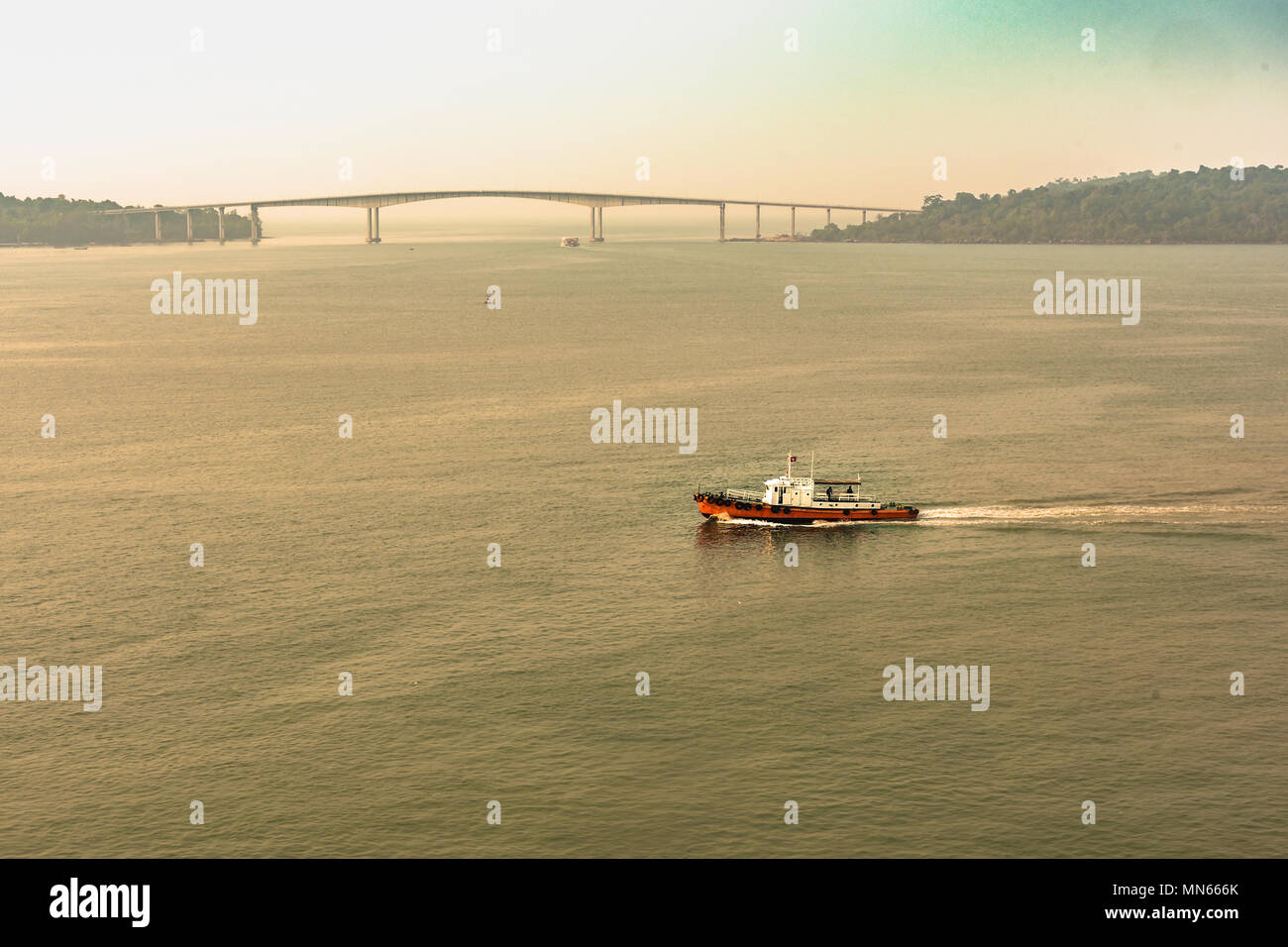 the techo markot bridge that links the mainland with Koh Puos island near sihanoukville harbour. Cambodia - Stock Image