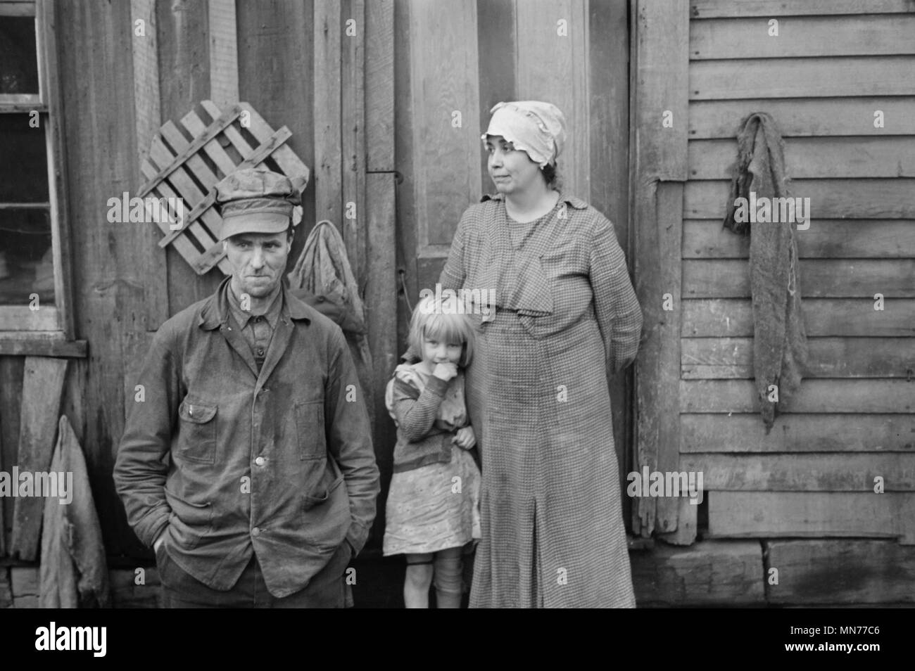 Rehabilitation Client with Family, Jackson County, Ohio, USA, Theodore Jung for U.S. Resettlement Administration, April 1936 - Stock Image