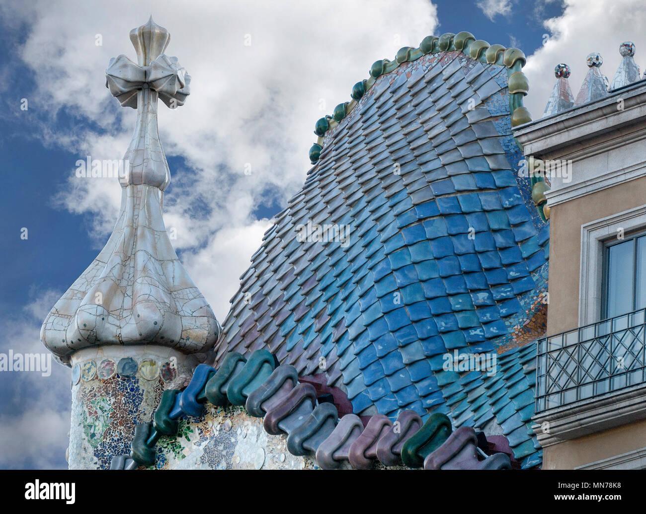 Dragon-Like Roof of Barcelona Casa Batlló by Architect Antoni Gaudí - Stock Image