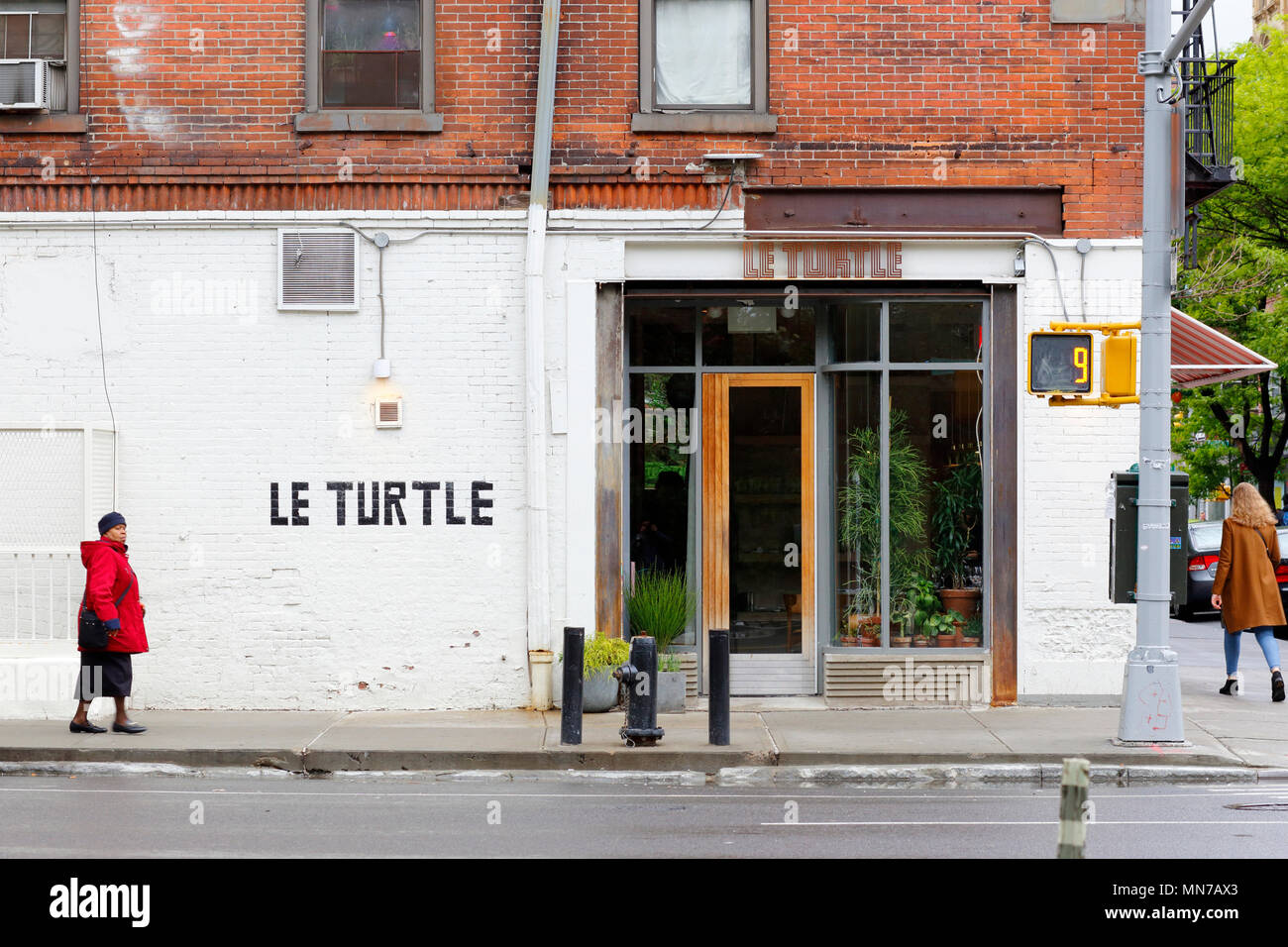 Le Turtle, 177 Chrystie St, New York, NY - Stock Image