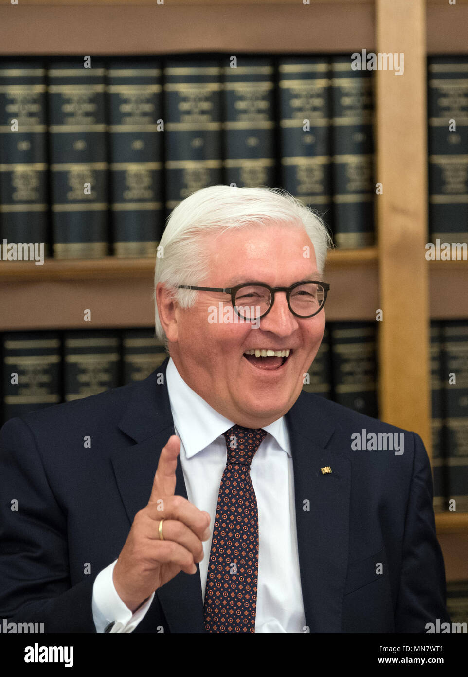Amsterdam, The Netherlands. 15th May, 2018. German President Frank-Walter Steinmeier smiling during his visit at the Handelingenkamer in the parliament. Photo: Soeren Stache/dpa Credit: dpa picture alliance/Alamy Live News Stock Photo