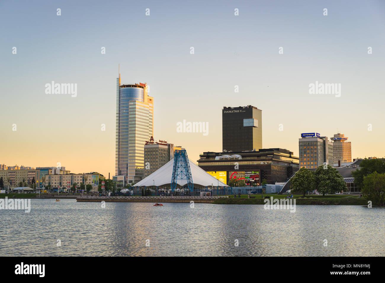 Minsk skyline. Svislach River embankment at sunset - Stock Image