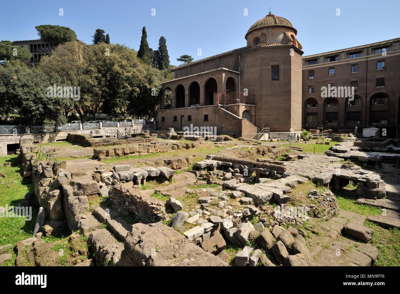Italy, Rome, Area sacra di Sant'Omobono roman ruins - Stock Image