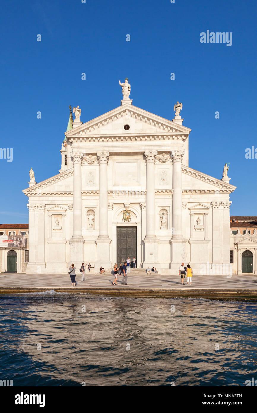 The Benedictine church of San Giorgio Maggiore on Isola San Giorgio Maggiore, at sunset, Venice, Veneto, Italy, 16thC Renaissance marble by Andrea Pal - Stock Image