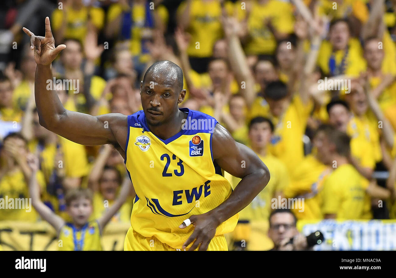 15 May 2018, Germany, Oldenburg: Bundesliga, EWE Baskets Oldenburg vs ALBA Berlin, championship round, quarter-final, in the EWE Arena. Oldenburg's Rickey Paulding celebrating a score. Photo: Carmen Jaspersen/dpa - Stock Image