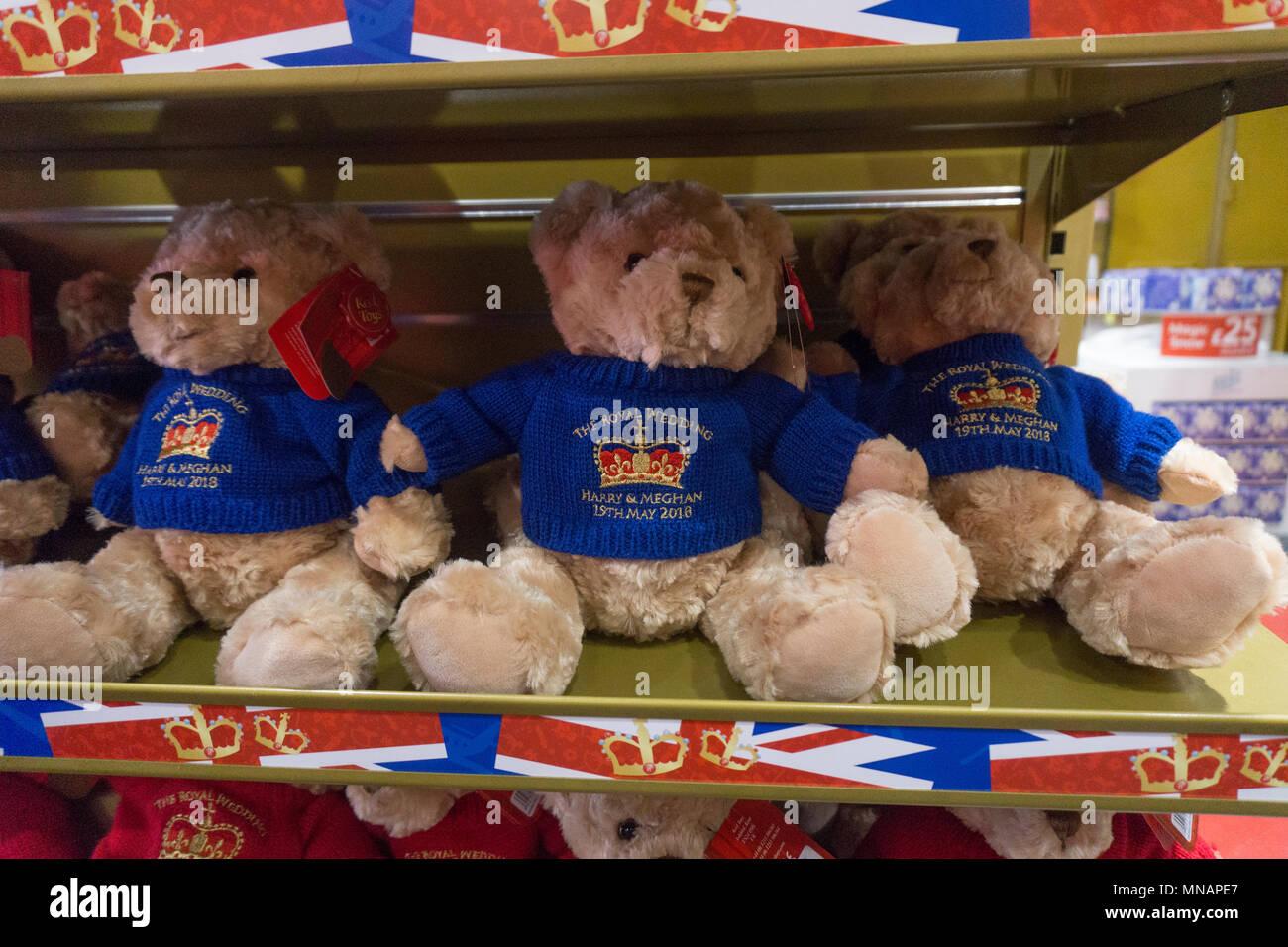 f4d608482de London Teddy Bears Stock Photos   London Teddy Bears Stock Images ...