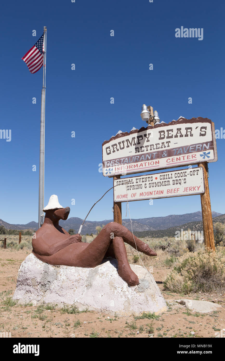 Grumpy Bears retreat restaurant and tavern Kennedy Meadows Rd, Inyokern, California USA. And home to the PCT Bear Canister Loan Program for hikers - Stock Image