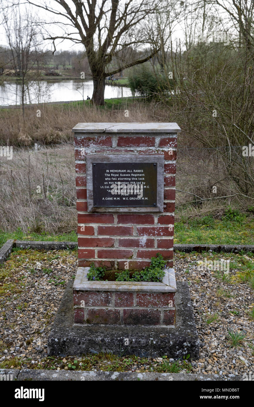 Memorial to the crossing of Lock No 1, Bois de l'Abbaye on 4th November 1918 by 2nd Battalion Royal Sussex Regiment - Stock Image