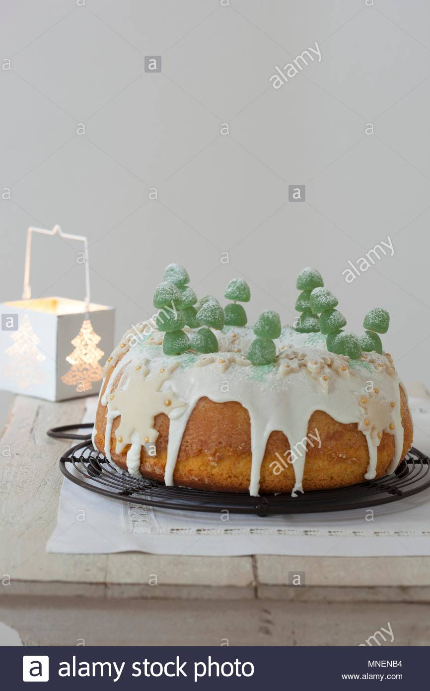 Corona di Natale (Italian Christmas cake Stock Photo: 185335560 - Alamy