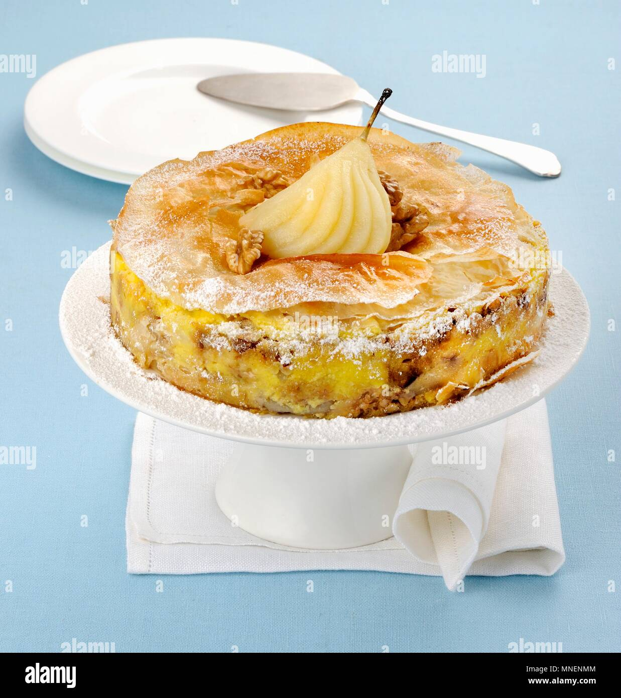 Pear tart with crispy filo pastry - Stock Image