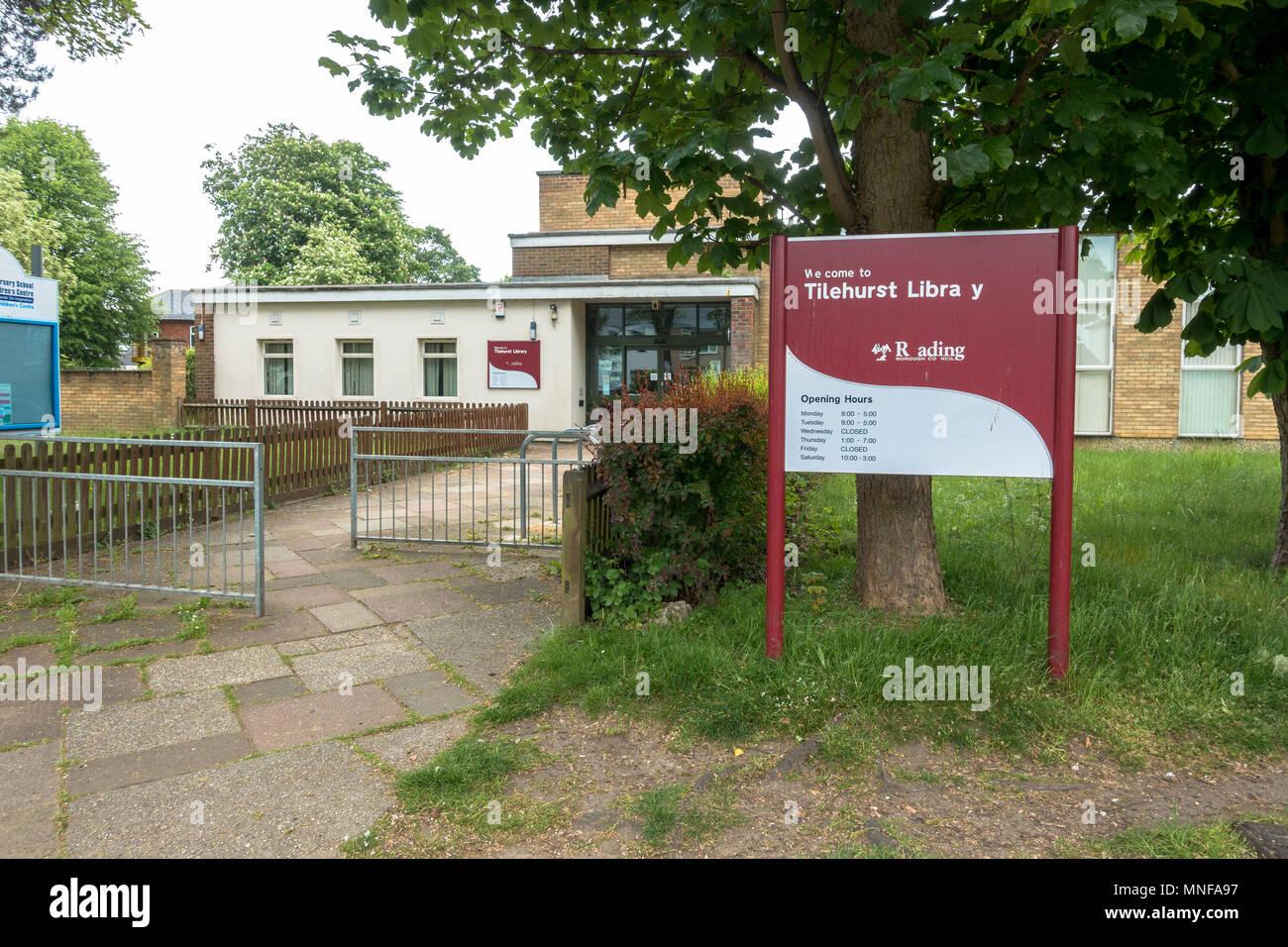 Tilehurst Library on School Road, Reading. Stock Photo
