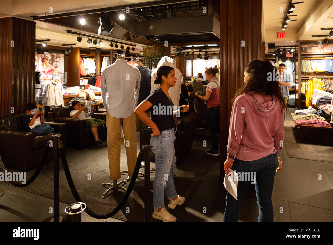 abercrombie fitch clothing people shopping in the abercrombie