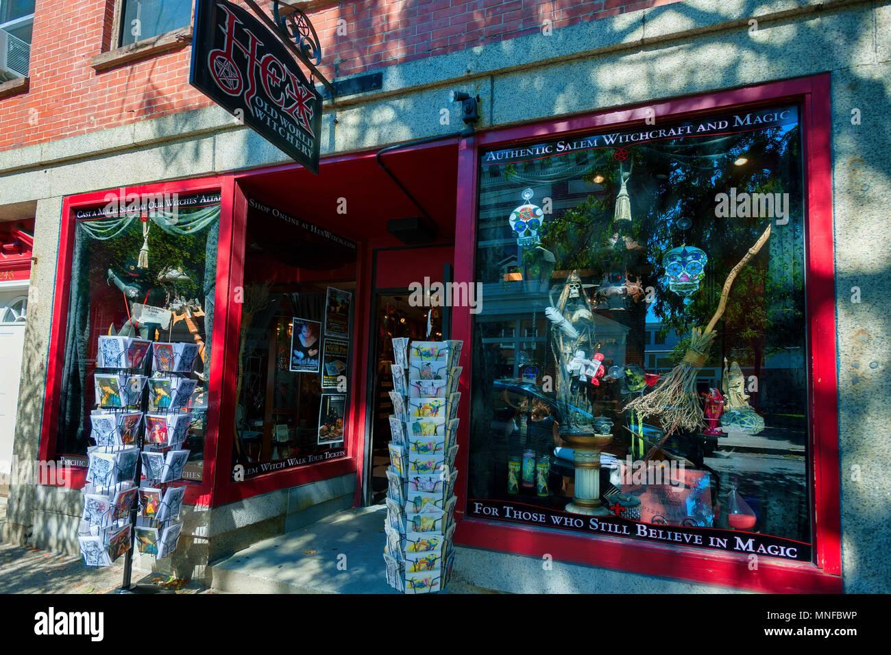 Magic Shop Stock Photos & Magic Shop Stock Images - Alamy