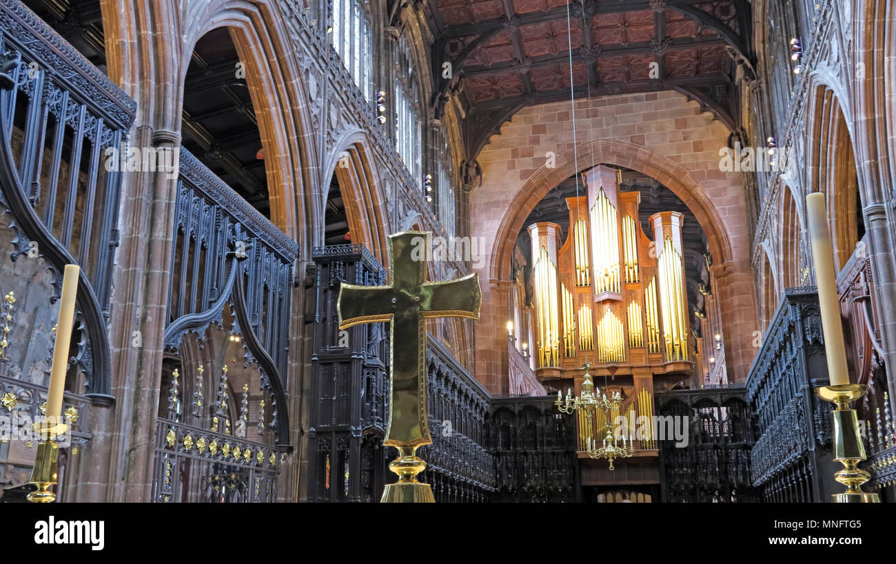Brass cross panorama, on Manchester Cathedral altar, lancashire, England, UK - Stock Image