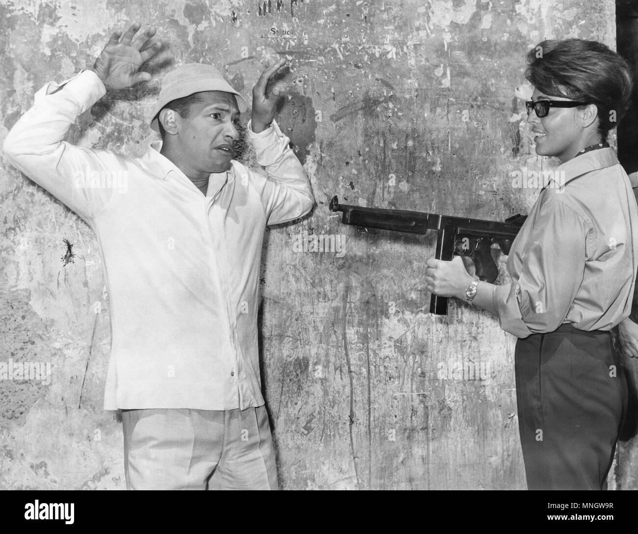 henri salvador, valeria fabrizi, il segugio, accroche-toi, y'a du vent, 1962 - Stock Image