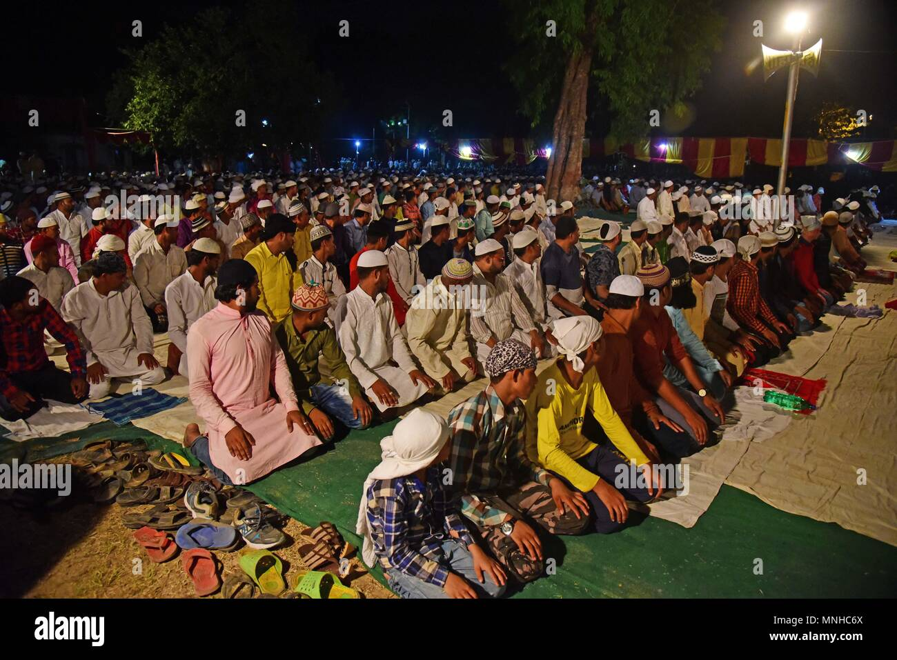 Allahabad, Uttar Pradesh, India. 17th May, 2018. Allahabad: Muslims offer night prayers called taraweeh during Ramadan month in Allahabad, Ramadhan is the ninth month of the Islamic calendar, and the month in which the Quran was revealed, Fasting during the month of Ramadan is one of the Five Pillars of Islam. The month is spent by Muslims fasting during the daylight hours from dawn to sunset. Credit: Prabhat Kumar Verma/ZUMA Wire/Alamy Live News Stock Photo