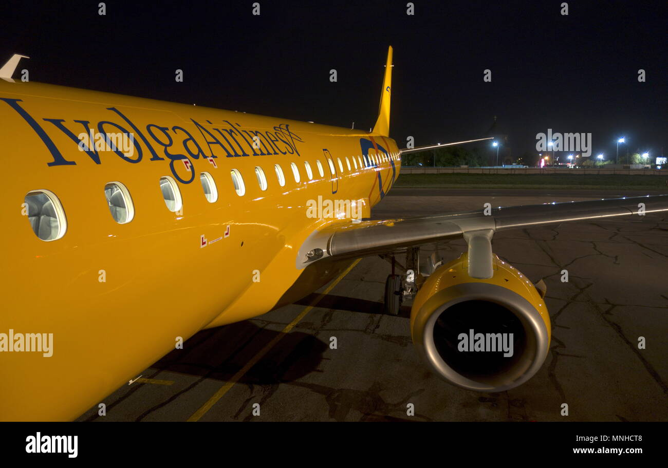 Saratov, Russia. 17th May, 2018. SARATOV, RUSSIA - MAY 17, 2018: An Embraer 190 jet airliner which has joined the fleet of Saratov Airlines under the new brand name Ivolga Airlines; starting from May 31, 2018, Saratov Airlines is to cease its activities. Denis Zhabkin/TASS Credit: ITAR-TASS News Agency/Alamy Live News - Stock Image