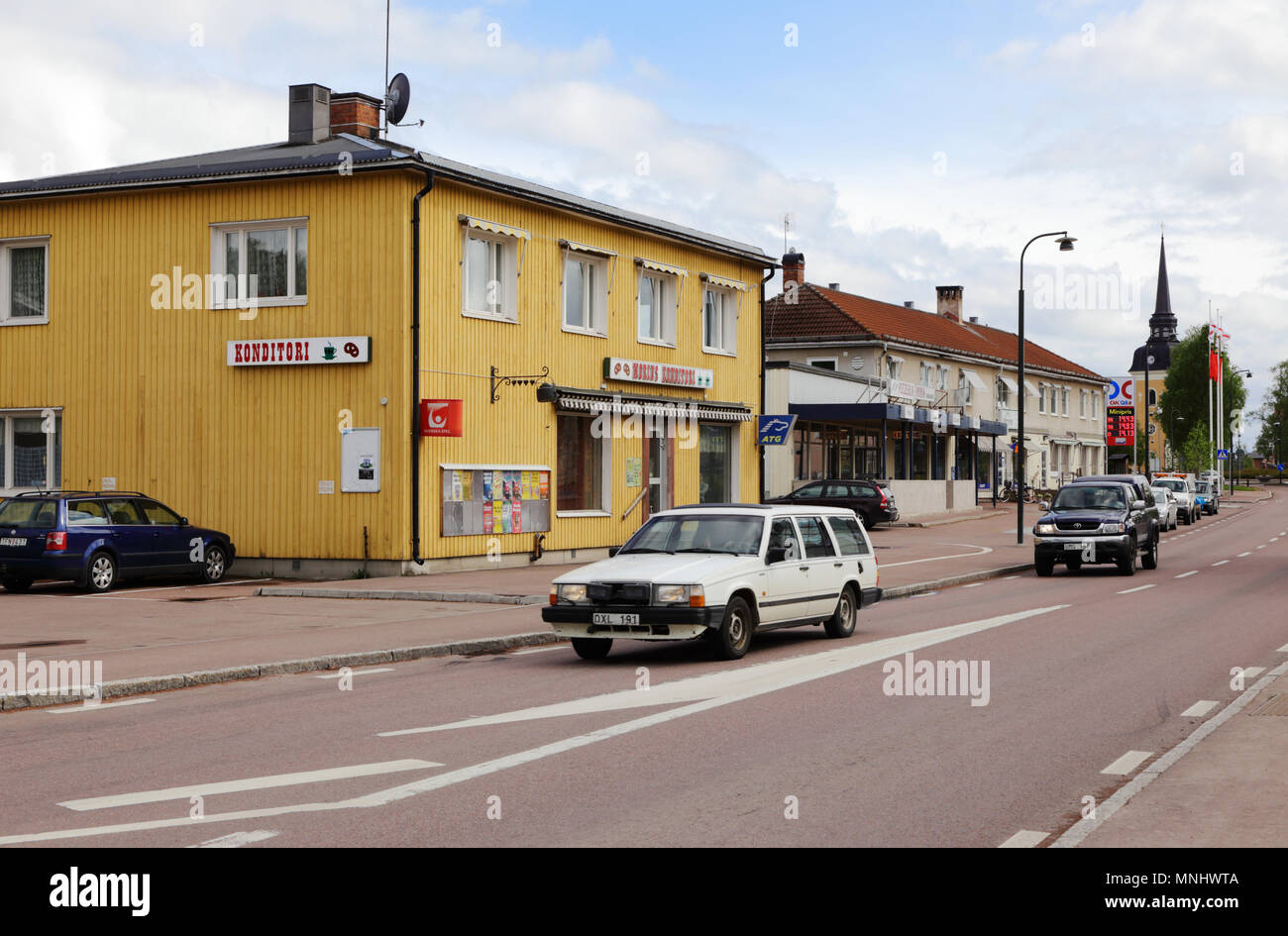 Alvdalen, Sverige - Maj 27, 2013: View of the primary road with number 70 passing thrue thesmall  town Alvdalen in the Swedish province of Dalarna. - Stock Image