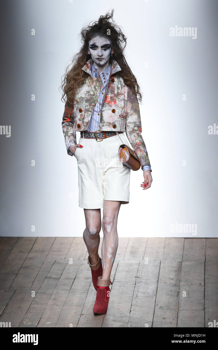 Vivienne Westwood Fashion Show Stock Photos Vivienne Westwood Fashion Show Stock Images Alamy