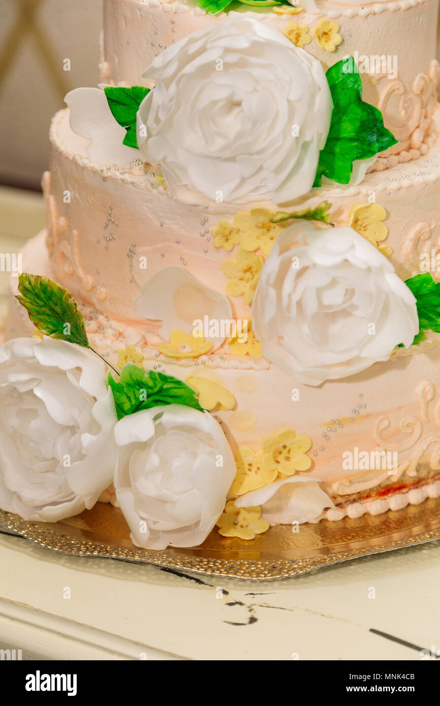 Wedding Cake Tree Stock Photos & Wedding Cake Tree Stock Images - Alamy