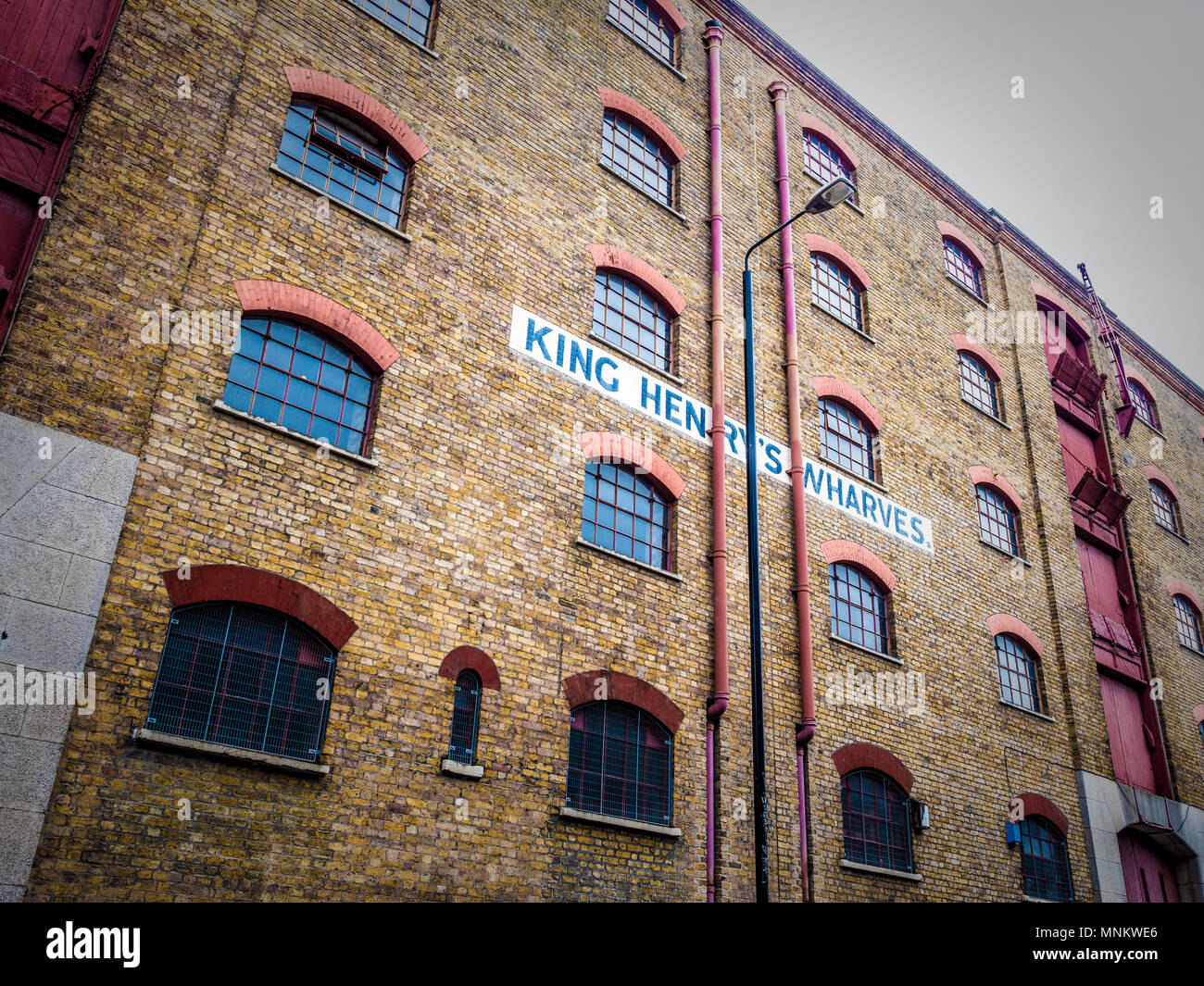 King Henry's Wharves, Grade II Listed Building in St Katharine's & Wapping, London, UK. - Stock Image