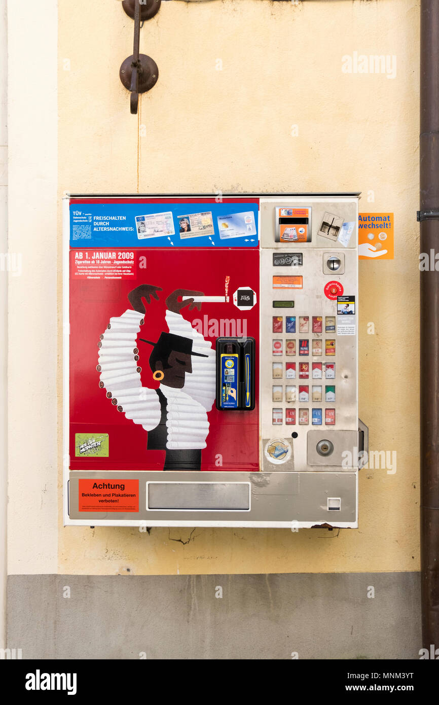 cigarette machine stock photos cigarette machine stock images alamy. Black Bedroom Furniture Sets. Home Design Ideas