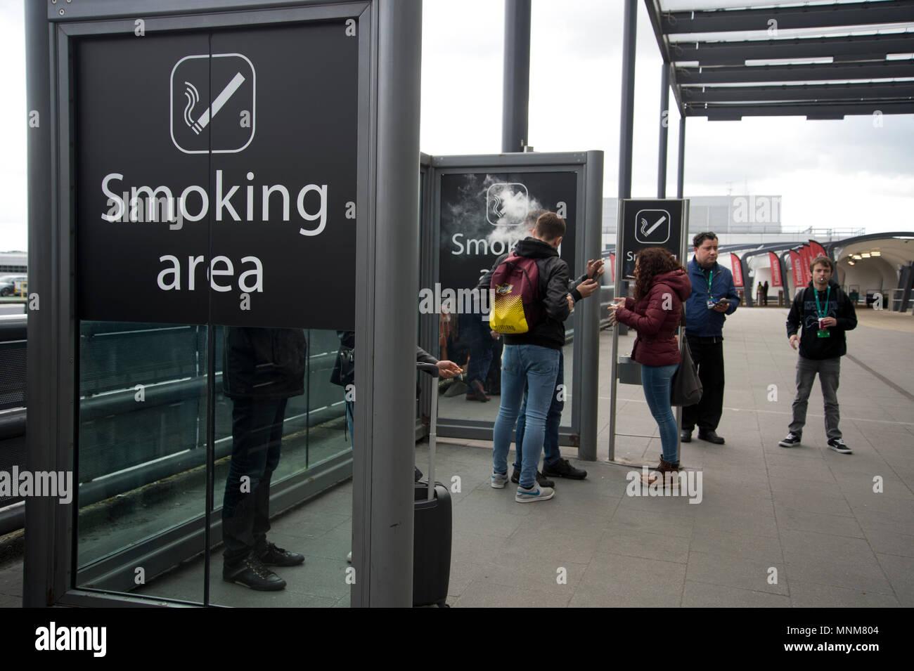Gatwick airport , Sussex, England. Smoking area - Stock Image