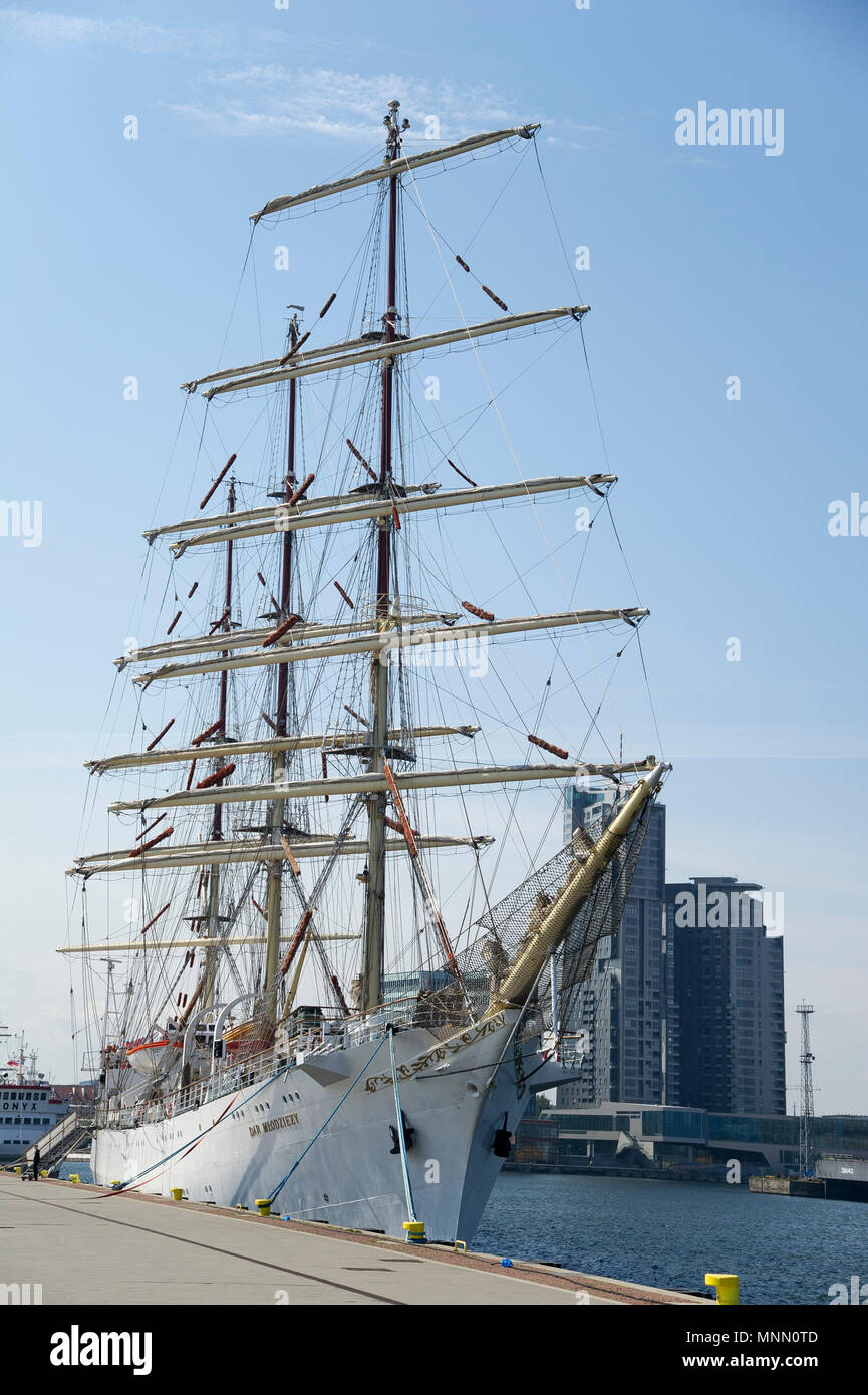 Dar Mlodziezy (Gift of the Youth), Polish full-rigged sailing ship of Gdynia Maritime University, during preparation to The Independence Sail to make  - Stock Image