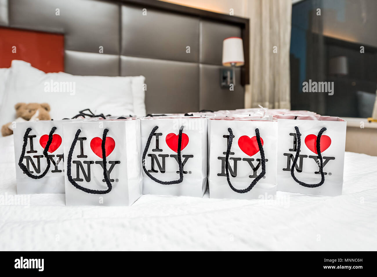 Hotel Room Bags Bed Stock Photos & Hotel Room Bags Bed Stock Images ...